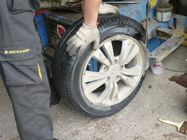 正确清洗轮胎很关键 保持爱车的光洁如新