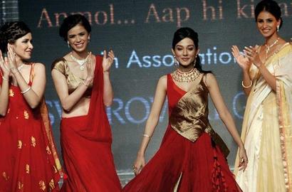 明星 网评/印度宝莱坞明星亮相珠宝展