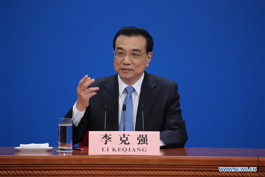 Chinese Premier Li Keqiang gives a press conference at the Great Hall of the People in Beijing, capital of China, March 15, 2017. (Xinhua/Xing Guangli)<br/>Chinese Premier Li Keqiang on Wednesday meets the press at the Great Hall of the People after the conclusion of the annual national legislative session.<br/>