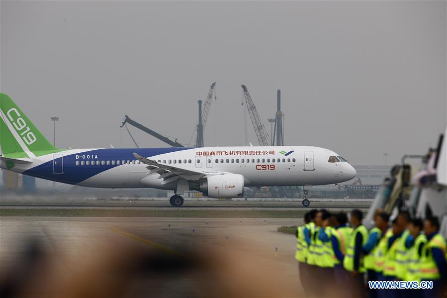China's homegrown jumbo passenger jet takes to the sky ...
