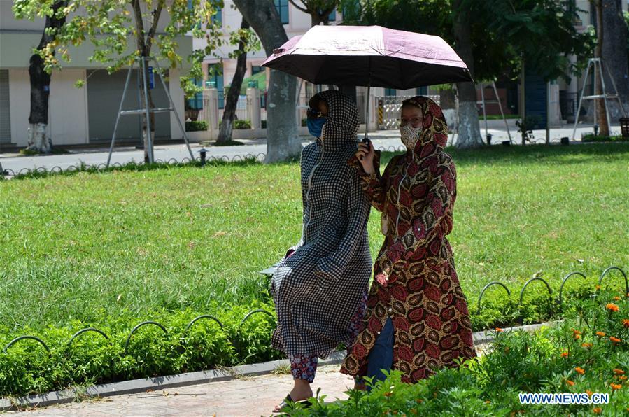 Vietnam's Hanoi hits by prolonged heat wave -