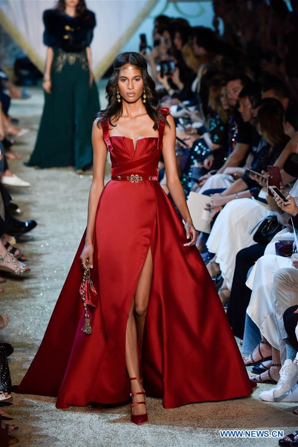 Elie saab haute couture 2017 18 f w collection presented for Haute couture in english