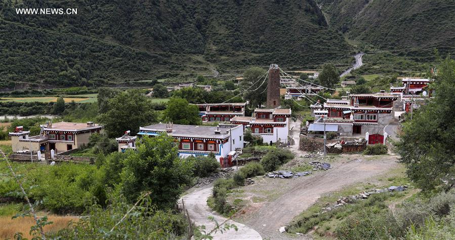 CHINA-SICHUAN-DAOFU TIBETAN HOUSES (CN)