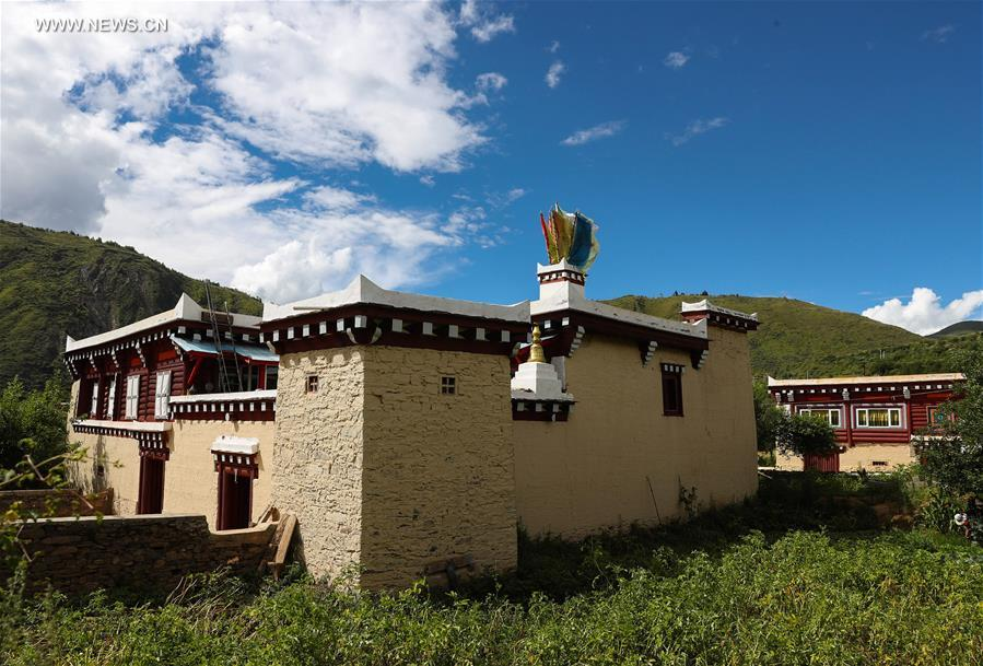Daofu Tibetan houses in SW China's Sichuan