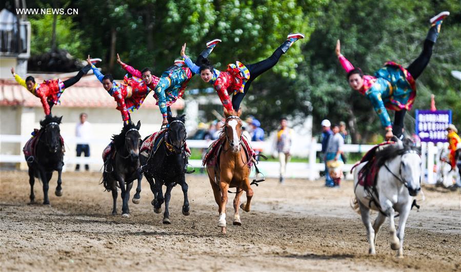 CHINA-TIBET-SHOTON FESTIVAL-HORSE RIDING (CN)