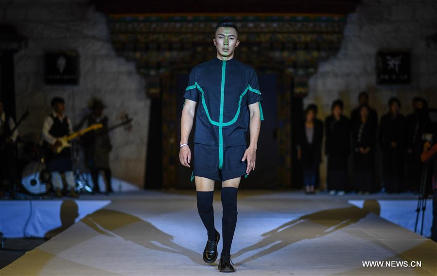 CHINA-LHASA-FASHION SHOW (CN)