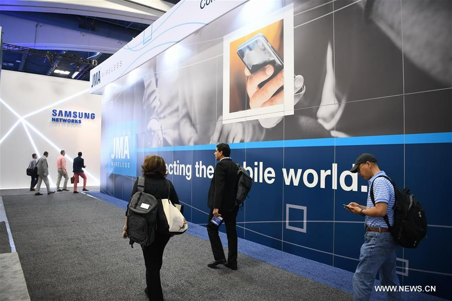 People visit the 2017 Mobile World Congress Americas (MWCA) in San Francisco, the United States on Sept. 12, 2017. 2017 Mobile World Congress Americas is held here from Sept. 12 to Sept. 14. (Xinhua/Wu Xiaoling)<br/>