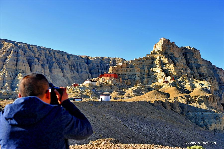 Tibet's Ali attracts over 460,000 tourists by end of August