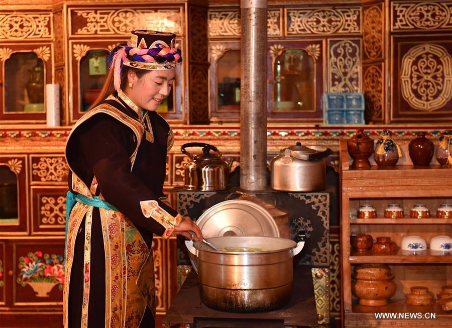 Unique Tibetan costumes and ornaments