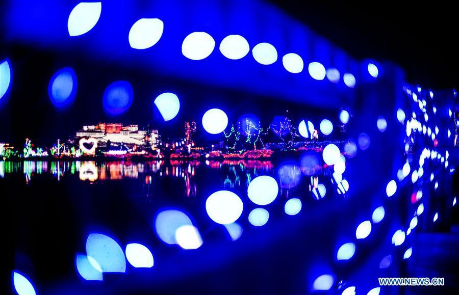 CHINA-LHASA-LIGHT FESTIVAL (CN)