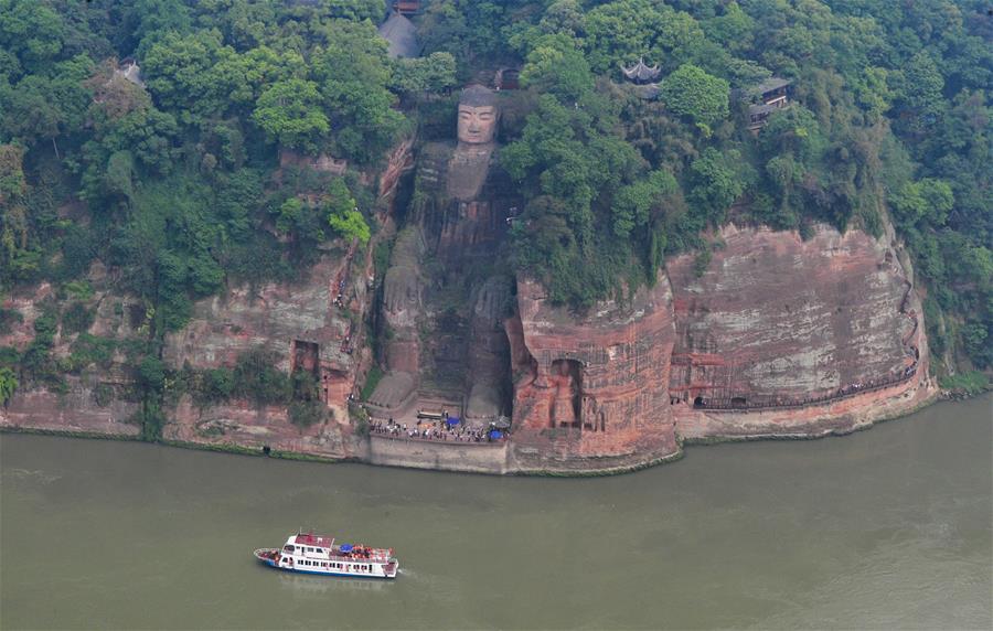 CHINA-XI'AN-CHENGDU HIGH-SPEED RAILWAY-DAILY LIFE (CN)