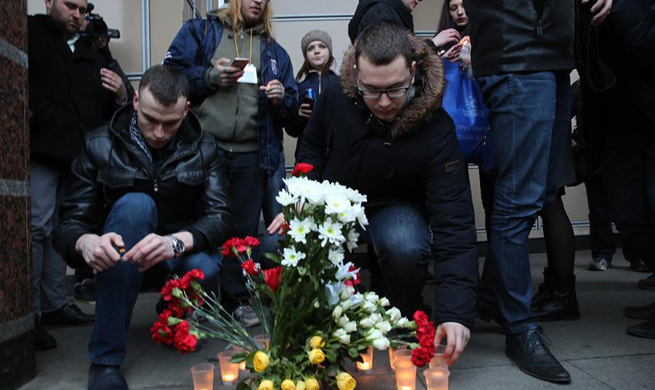 Russian people mourn victims of explosion in St. Petersburg