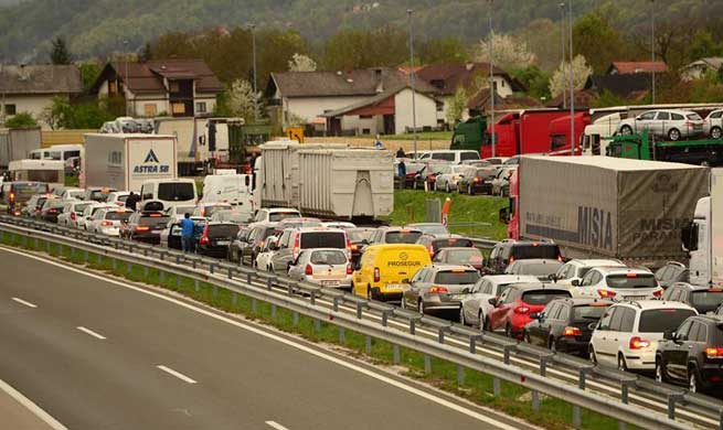 Slovenia-Croatia border see extended queues after stricter checks introduced