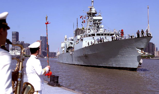 Canadian naval ship arrives in Shanghai for visit