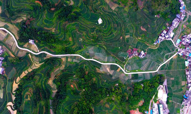 Guangxi strengthens road construction efforts in poor rural areas