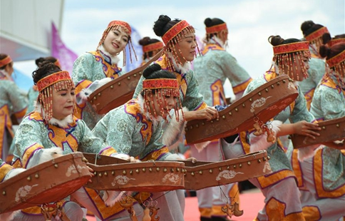 Dance drama performed to celebrate Kumule Festival in NE China