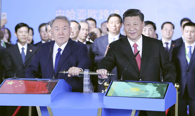 Xi visits Chinese pavilion at Astana Expo, eyes better cross-border transportation