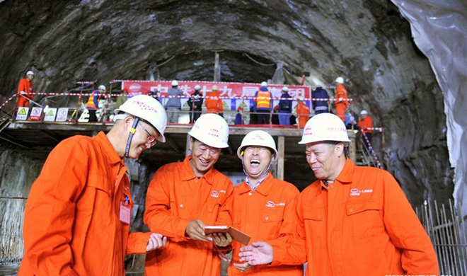 Humaling Tunnel in NW China's Gansu successfully holed through