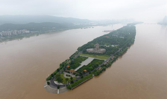 Central China's Juzizhou Islet resort closed due to flood