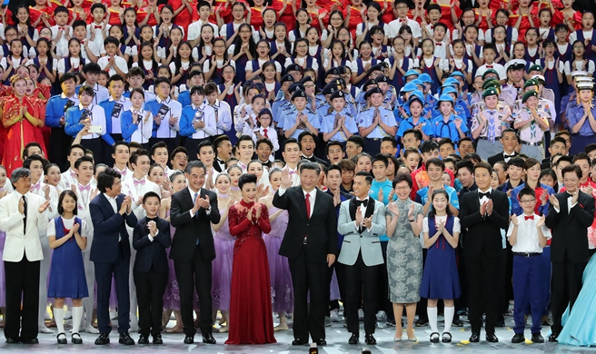 President Xi attends gala show for HK's 20th return anniversary