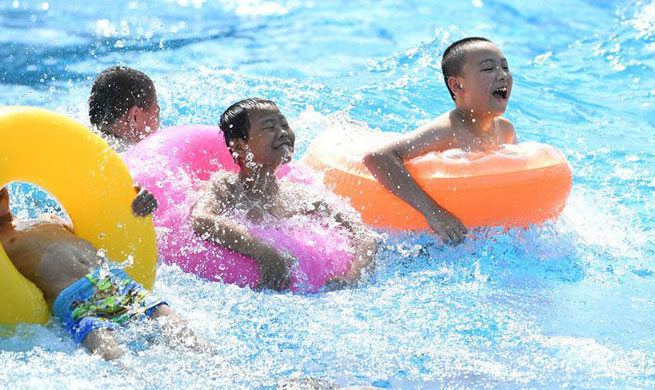 Southwest China issues orange level high temperature warning