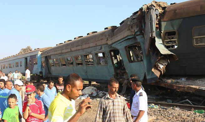 36 killed, dozens injured in train crash in Egypt