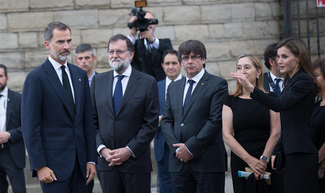 Spanish King and Queen attend mass for Barcelona terror victims