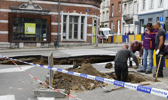 Road collapses in downtown Brussels, Belgium