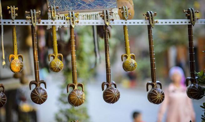 A look at Kantuman Bazaar in China's Xinjiang