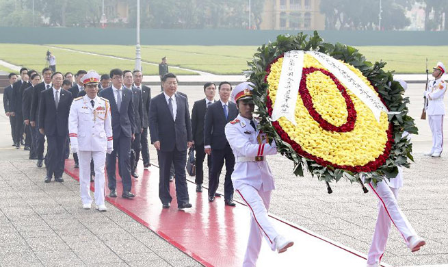 Chinese president attends wreath laying ceremony in Vietnam