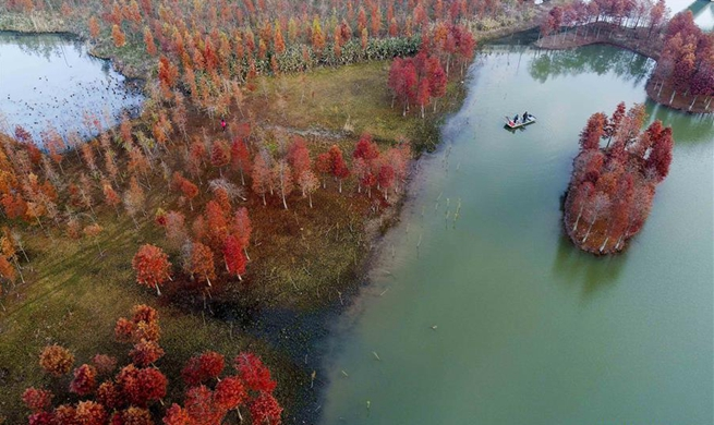 Winter scenery of Tianquan Lake in east China