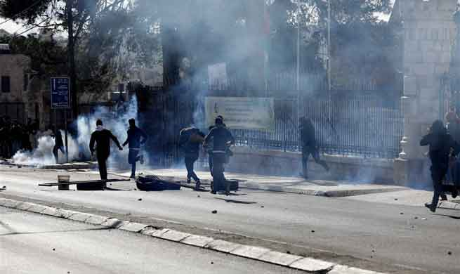 Palestinians clash with Israeli soldiers over Trump's Jerusalem decision