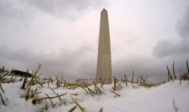 First snowfall of this winter seen in U.S. capital