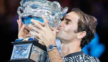 Federer wins fifth Australian Open singles title