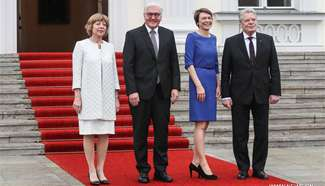 German new president meets outgoing counterpart at Bellevue Palace