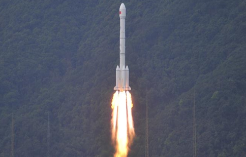China Focus: China launches 1st high-throughput communications satellite