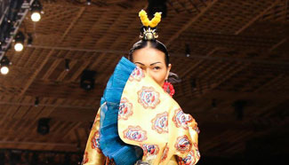 Vietnam Int'l Fashion Week held in Ho Chi Minh