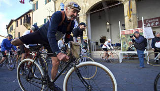 """Eroica"" cycling event held in Italy"