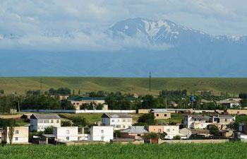Scenery along highway from Tashkent to Samarkand, Uzbekistan