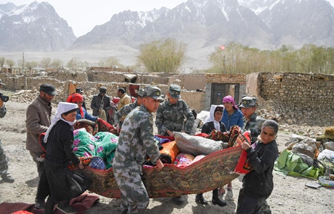 Rescuers work at quake-hit county in NW China's Xinjiang