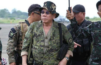 Duterte visits war-torn Marawi City