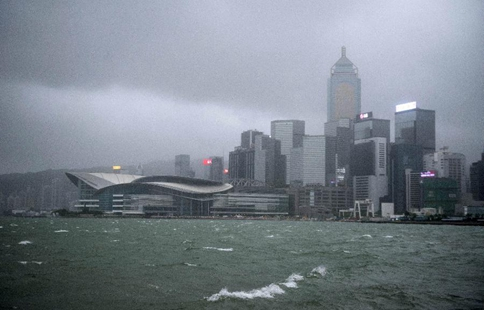 Typhoon Hato sweeps HK, tropical cyclone warning issued