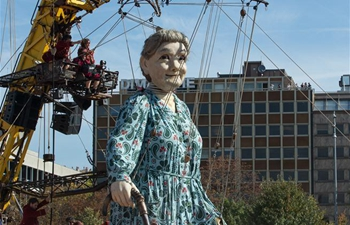 2 giant puppets guest in Geneva from Sept. 29 to Oct. 1