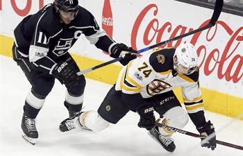 NHL: Boston Bruins beats Los Angeles Kings 2-1