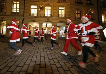Over 3,000 runners participate in first Santa run in Switzerland