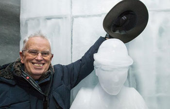 Switzerland makes ice sculpture to mark 40th anniv. of Chaplin's death