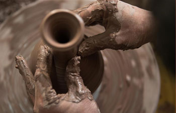 Pic story: Rejuvenate long-lost craftsmanship of imperial kiln