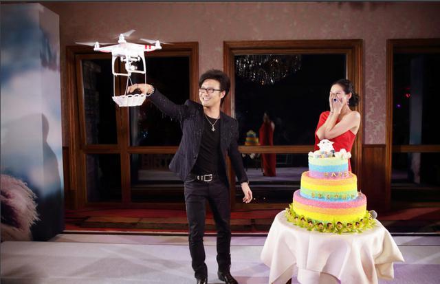 汪峰其实是汪星人_汪峰求婚带动了无人机的销售市场-汪峰,求婚,无人机