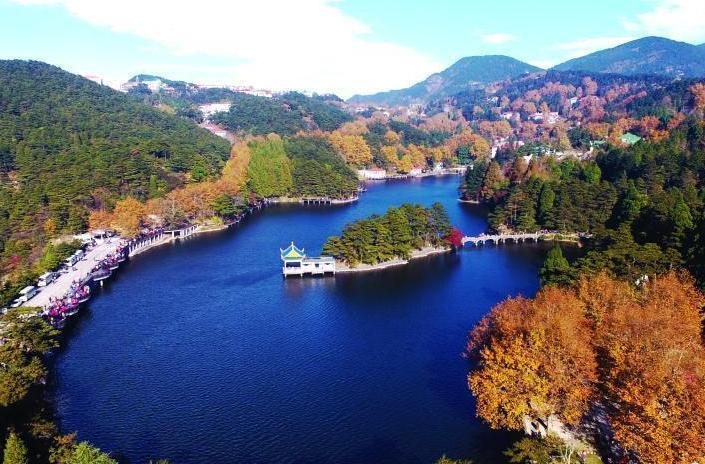 江西廬山進入紅楓最佳觀賞期 吸引遊客紛至沓來