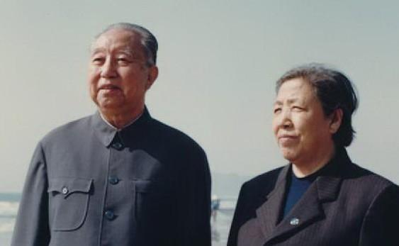 華國鋒兩子兩女今何在?